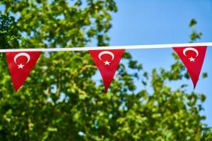 Açık Hava Üçgen Türk Bayrakları