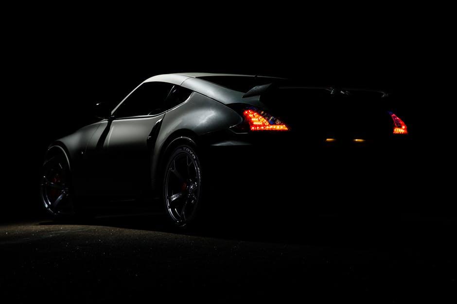 Karanlık Spor Araba